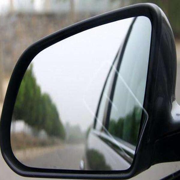 汽车后视镜自动折叠回来从而保护不被撞坏